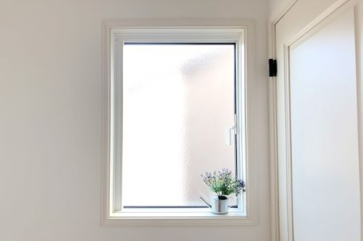 窓サッシのパッキンを交換する方法|DIYデメリットと修理費用