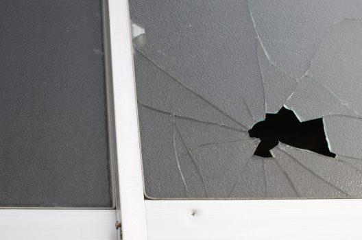 窓ガラス交換・修理費用の相場はいくら?業者によって異なる料金